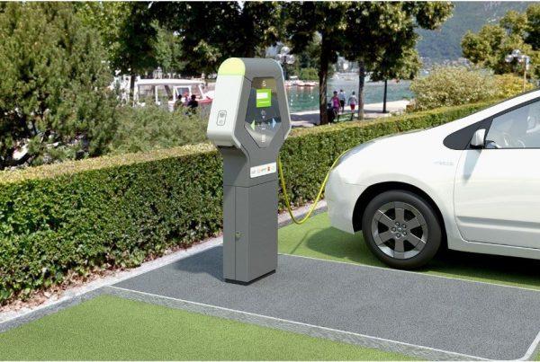 E-TOTEM Bornes de recharge pour véhicules électriques