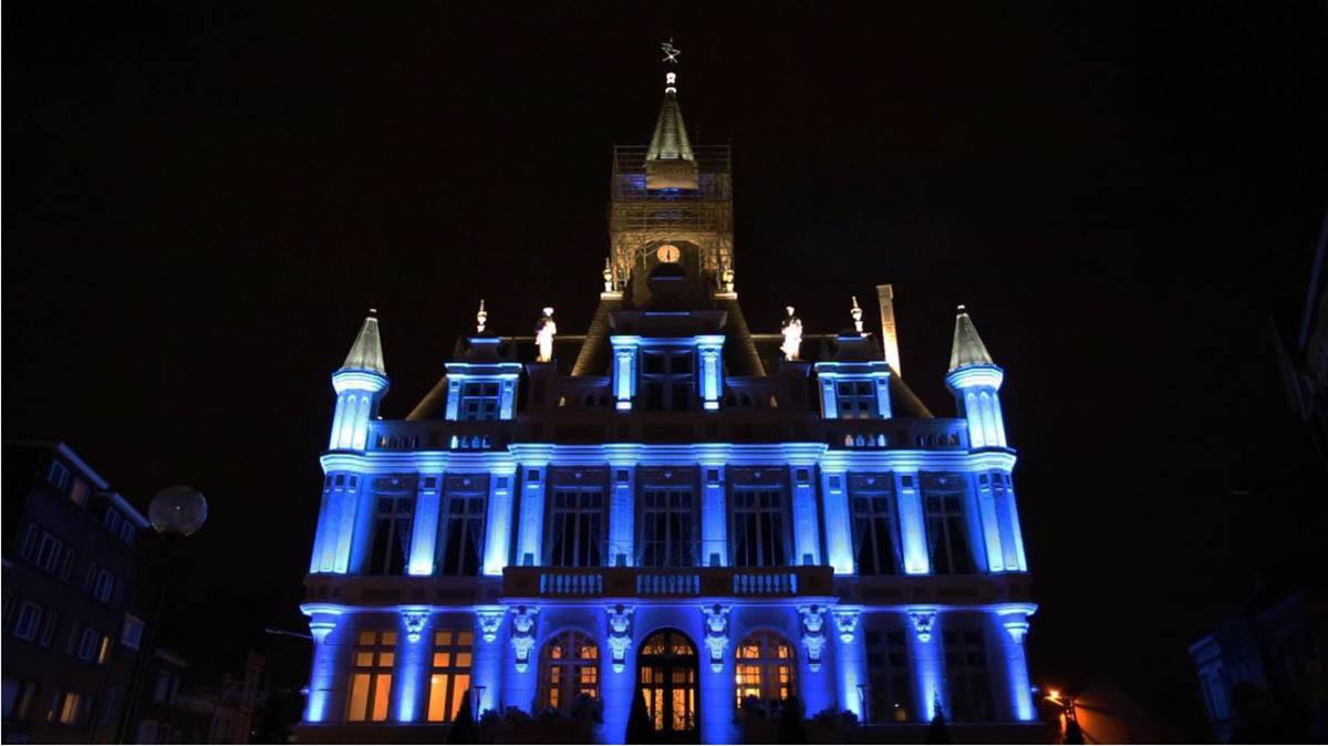 Mise en lumière architecturale de l'Hôtel de ville d'Henin Beaumont - LEC Candéliance
