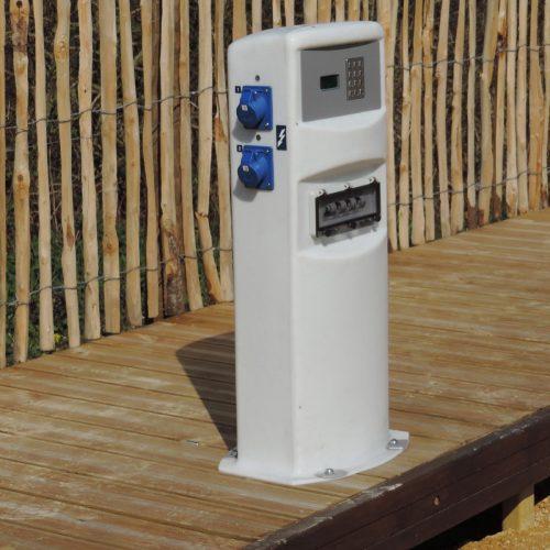 Aménagement de bornes pour aire de service à camping car par Urbaflux - Candéliance