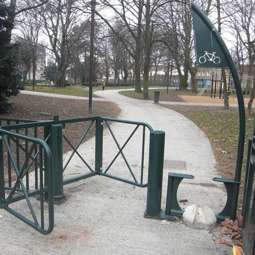 Aménagement selectif pass vélo du Square Lardemer à Lille par Semco - Candéliance