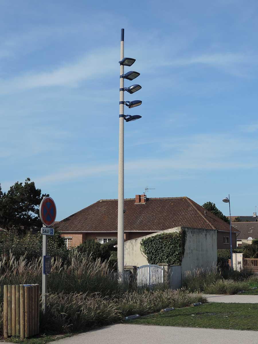 Eclairage public LED d'un parking à Camiers - Azuly Candéliance